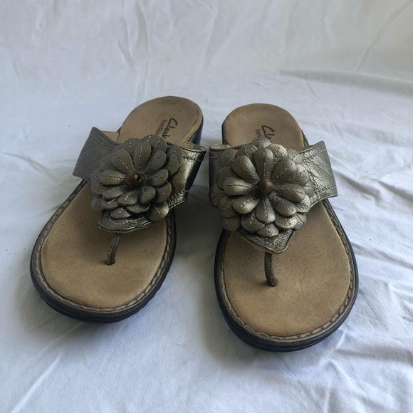 90d289255 Clarks Shoes - Tan Clarks bendables flip flop sandals with flower